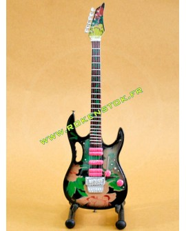 GUITARE MINIATURE SLASH GUN'S ROSES